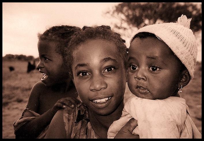 Ambaro sisters